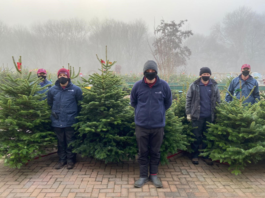 Perrywood Christmas tree team.jpg
